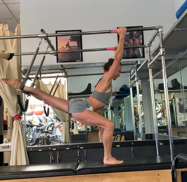 pilates trapeze lunge